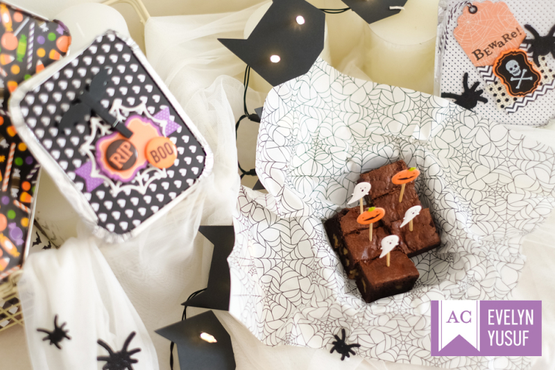 Halloween treat tins details 6 by evelynpy  americancrafts