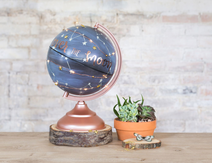 1C2_GlobeGallery_OnLocation_ConstellationGlobe_Decorated