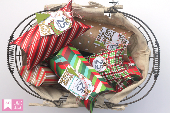 American Crafts-Christmas Pillow Box 01