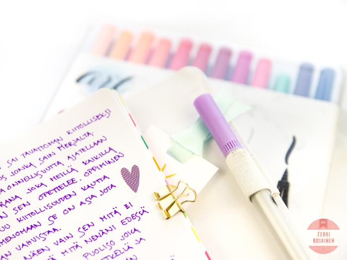 Creating a Gratitude Journal 251119-5